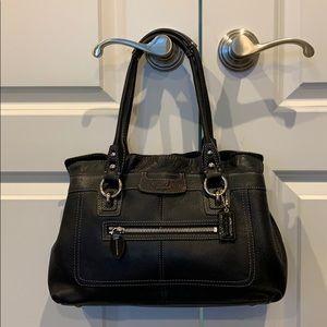 Coach shoulder bag black pebble leather